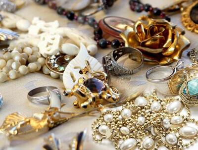 Αγοράζουμε χρυσά κοσμήματα